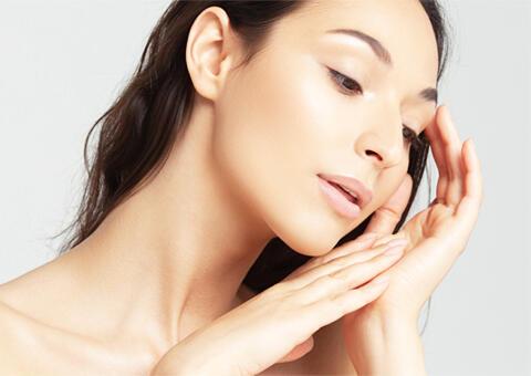 肌質改善で、美肌を手に入れる!ニキビや毛穴を撃退するクリニックの「肌管理」メニューとは?