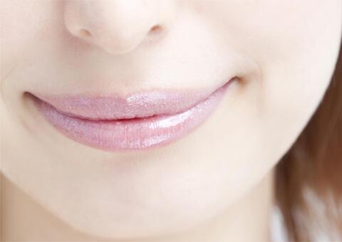 口角を上げるトレーニングは、老化の原因に!?一番効果的なのは、ボトックス(口角)!