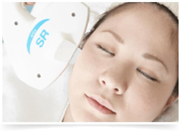 美白効果を高める光&ピーリング治療イメージ
